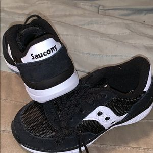 NWOT Saucony jazz shoes.